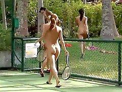 filles nudiste de plein air nudité en public