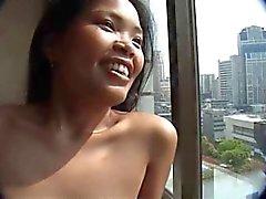 amatör asiatisk nipplar thai