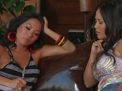 asiatico babes lesbiche