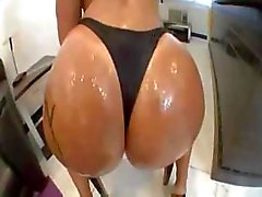 Monica Santhiago Big Booty Gets Oily