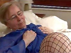 isoäidit erääntyy sukat