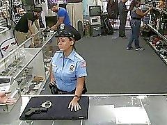 grandes mamas boquete chupando pau meninas no uniforme policiais