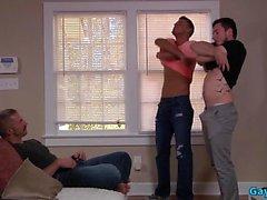 оральный к гомосексуалистам гей гей групповуха к гомосексуалистам мышцы геев