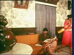Mallu Maid Cleavage Show