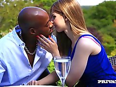 Anal Queen Stella Cox Gets a Hardcore Interracial Slamming