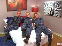 gruppen-sex uniform militär