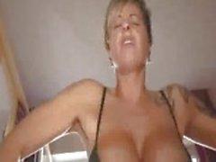 dilettante sex toys fisting feticcio biondo