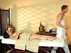 bebê morena massagem softcore