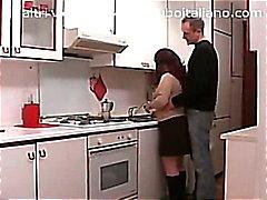 amateur brunette cul