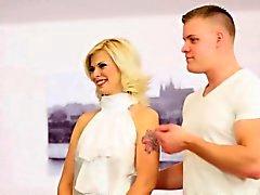 бисексуал блондинка хардкор hd