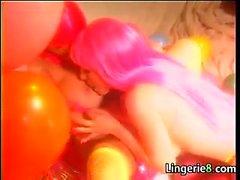 bebek büyük göğüsler fetiş lezbiyen