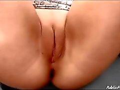 masturbación público amateur