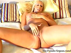 blondit itsetyydytys nännit hd-videoita orgasmeja