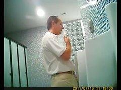 cámara escondida grabando espía-baño-pissing homosexual público