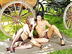 ashley bulgari eufrat kiz kıza lezbiyenler
