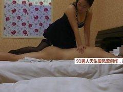 kinesiska hooker falska massage amatör chubby brunett perky tits strumpor asiatiska china bj blowjob jerking asiatisk