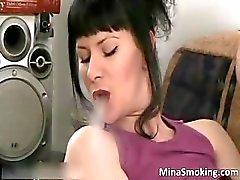 bébé brunette masturbation milf