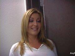 stora bröst stora naturliga bröst blondiner milfs