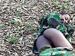 геи латинский военный на открытом воздухе соло
