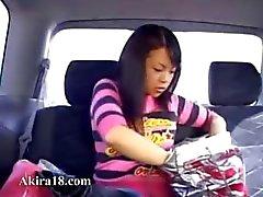 amateur brunette japanse speelgoed aziatisch