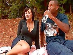 Piknik fuck with Lisa Ann