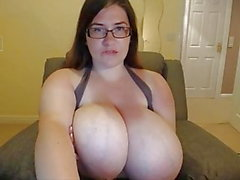 Cute fat girl with nice giant boobs masturbating on webcam