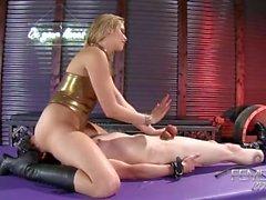 sesso orale culo grosso femdom