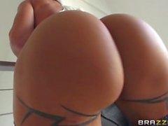 Ass loving MILF Jewels Jade gets a banging