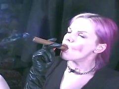 pliegue de fumar smoking- fetiche color rosa - pelo cigarro