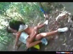 Desi girl fucked in jungle