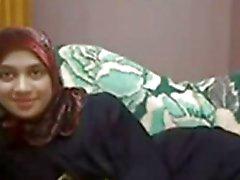 Hijab Arabian Girl Milking And Masturbating
