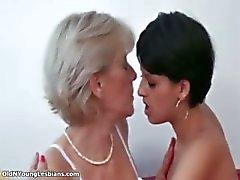 loira morena dona de casa lésbica maduro