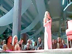 amateur kindje blond publiek