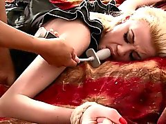 bdsm baby blondine domina