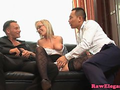 Bigtitted Jessica Moore double penetrated