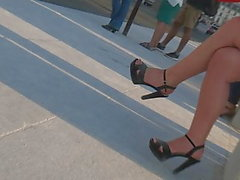 Candid hot milf with sexy legs and high heels