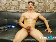 flirt4freeguys masturbation wichsen aus solo männlich wichsen streicheln