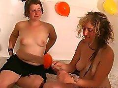 fetiche engraçado sexo em grupo lamber