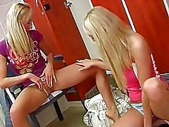 Young lezzies having fun in locker room - Sunporno Uncensored
