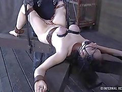 bdsm bdsm estrema video servit