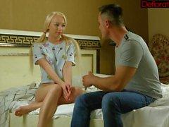amatööri blondit teini-ikä venäläinen 18 vuotta vanha