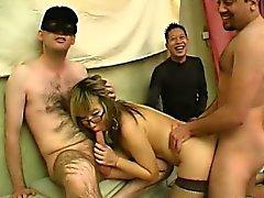 asiatique pipe sexe en groupe hardcore