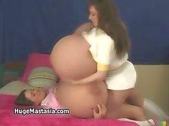 bebê grandes mamas bizarro