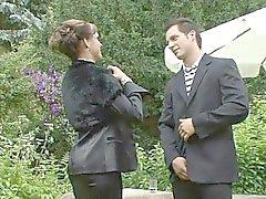 brunetta feticcio hardcore leccare all'aperto