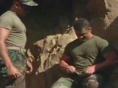 гей военный мышца марочный