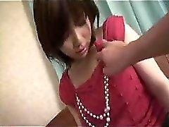 asiático bebê dedilhado peludo