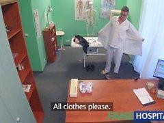 amanda noir fakehospital hongrois corbeau contrefaits - nichons