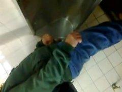 espião homossexual banheiro amatuers público