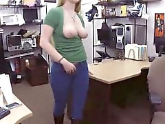 Amateur chick banged by stunning fucker