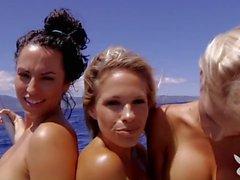 parpadea en público parpadeo niñas desnudo chicas desnudas desnudos en público